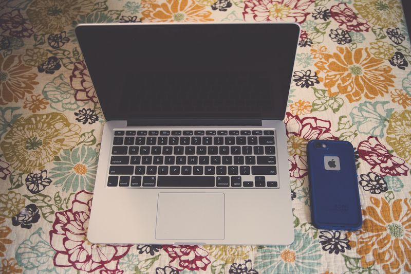 Mom&iphone-3